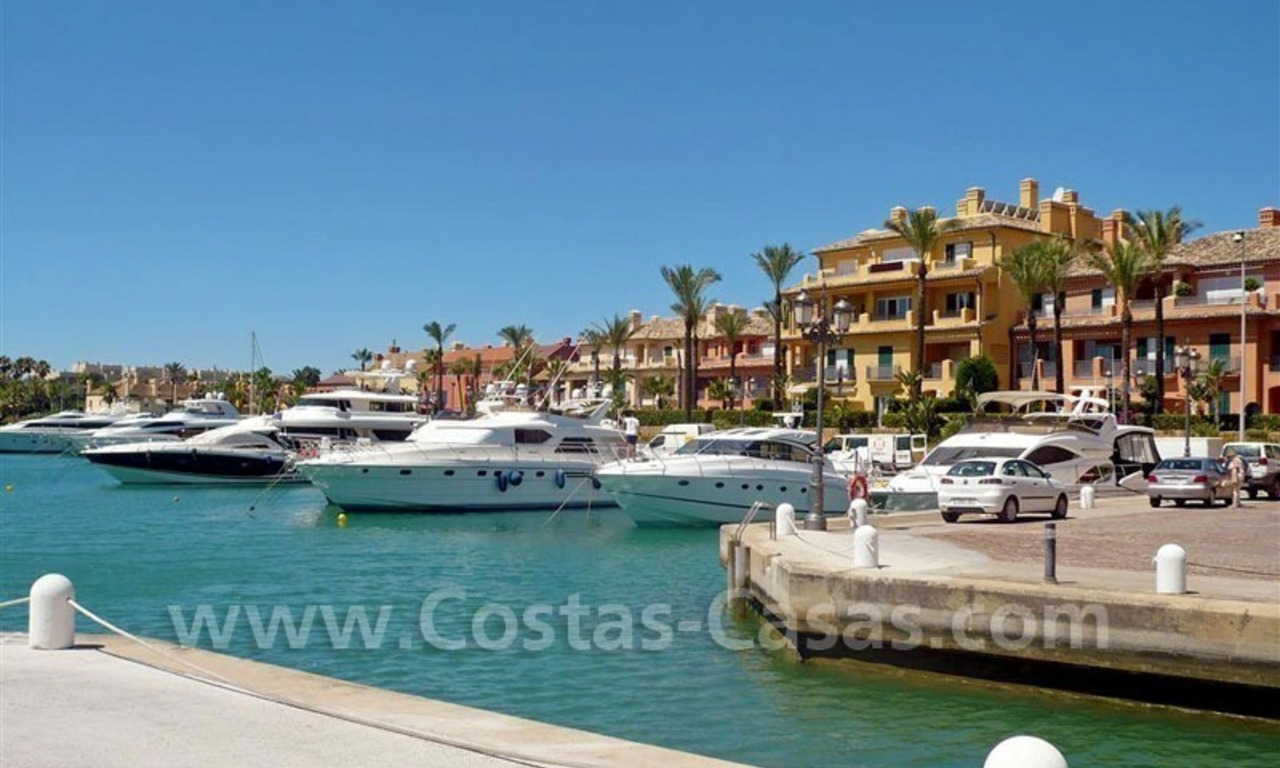 Bargain Luxury frontline golf and first line beach apartments for sale at the Costa del Sol 15