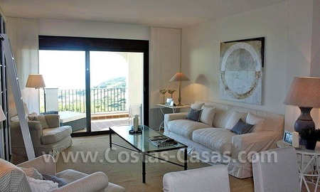 Bargain Luxury frontline golf and first line beach apartments for sale at the Costa del Sol 17