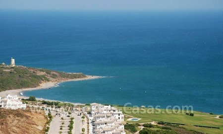 Bargain Luxury frontline golf and first line beach apartments for sale at the Costa del Sol 29
