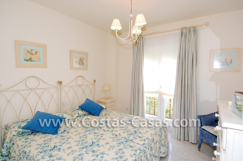 Bargain apartment to buy on beachfront complex in Marbella 5