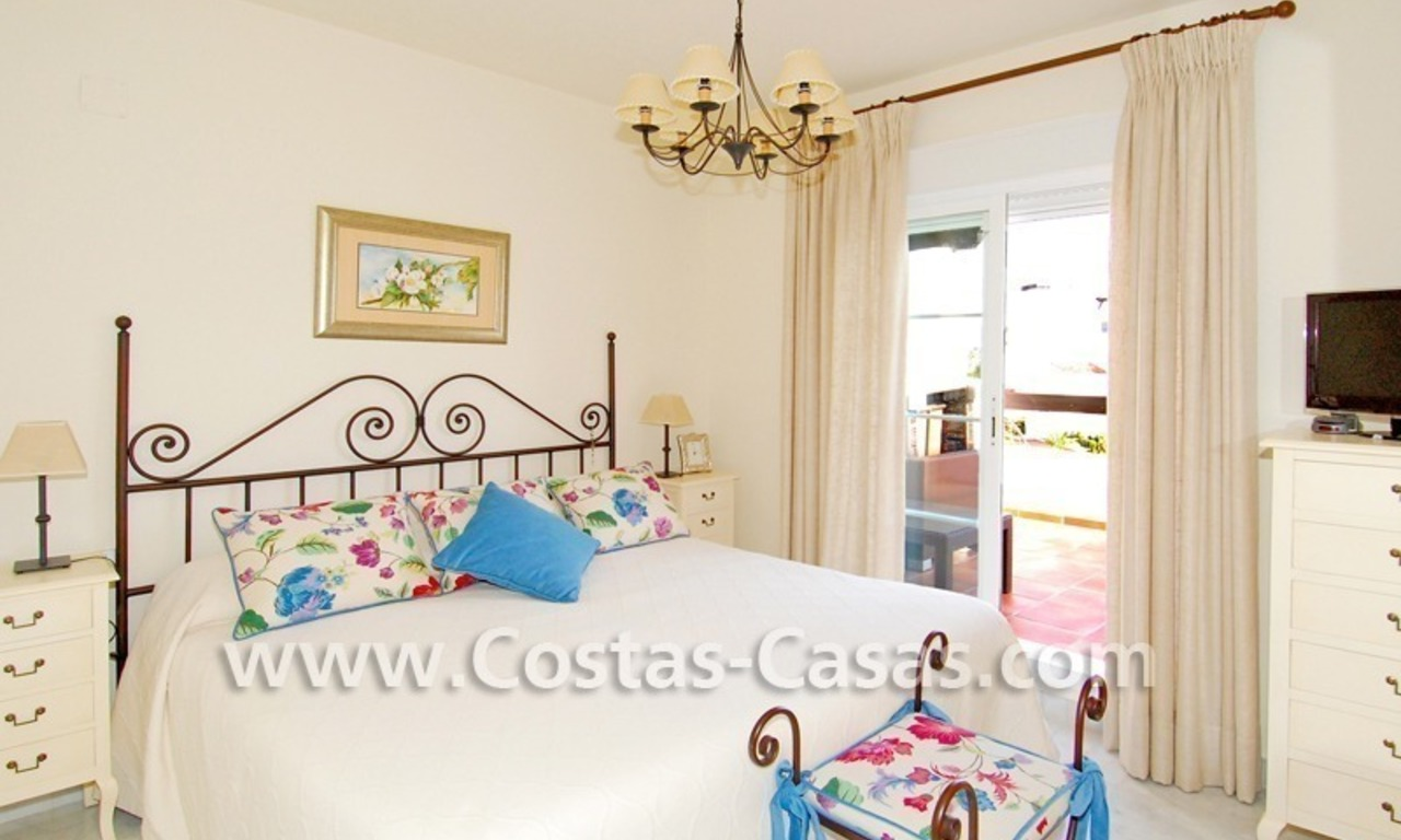 Bargain apartment to buy on beachfront complex in Marbella 6