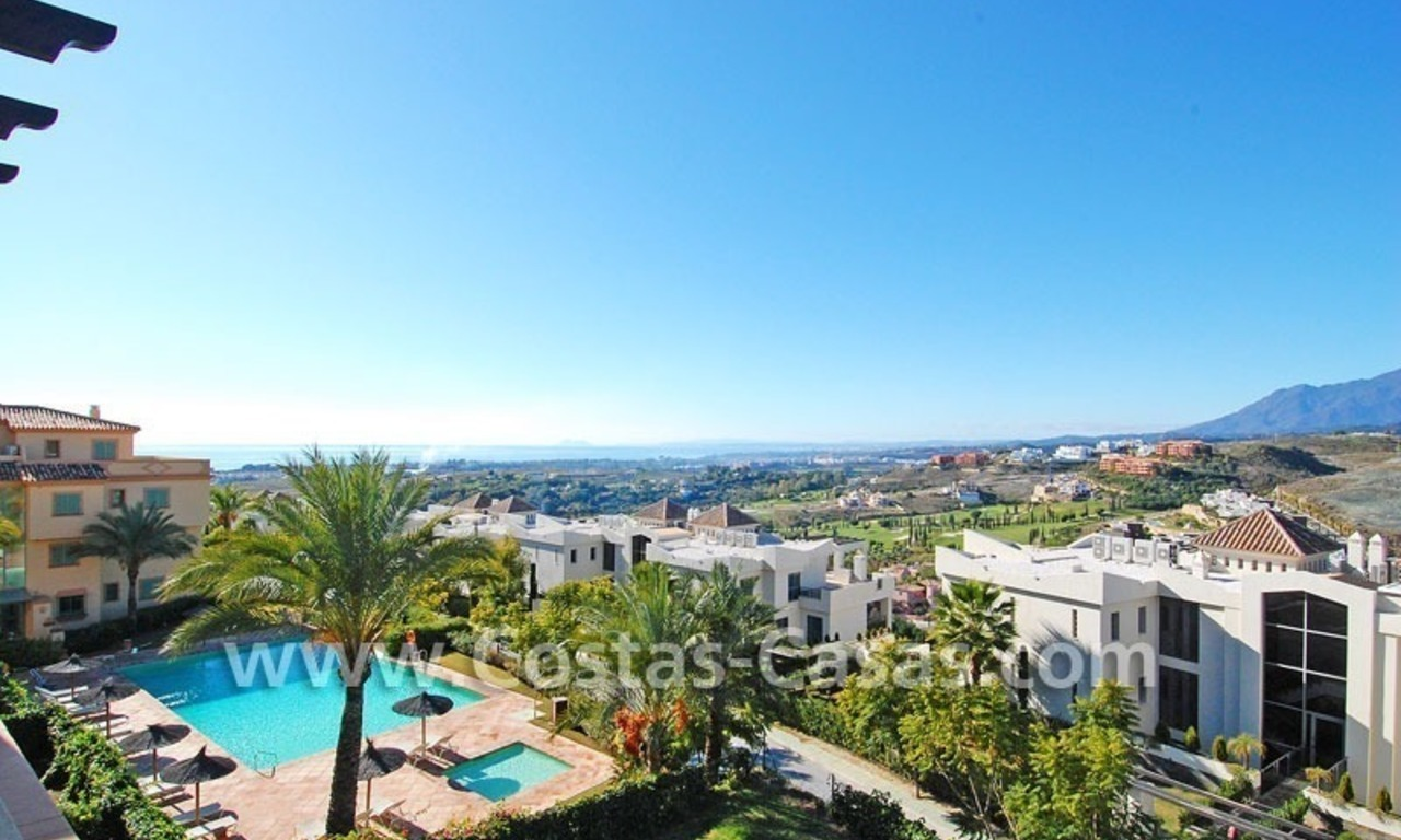 Luxury golf penthouse apartment for sale in a golf resort, Benahavis - Marbella 2