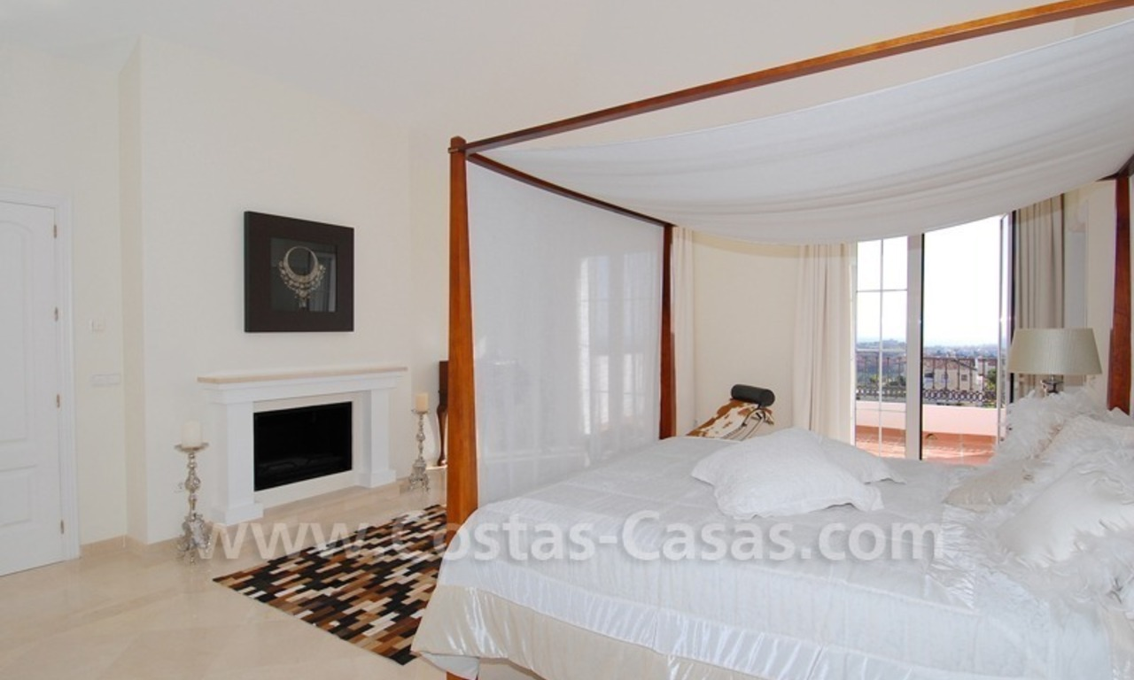New villa for sale in gated community - Marbella - Benahavis 23