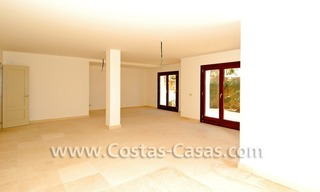 Cozy luxury villa to buy in a gated resort, Benahavis – Estepona - Marbella 20