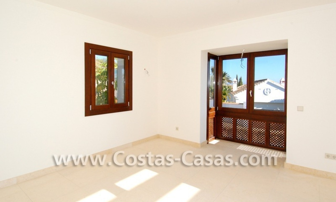 Cozy luxury villa to buy in a gated resort, Benahavis – Estepona - Marbella 14