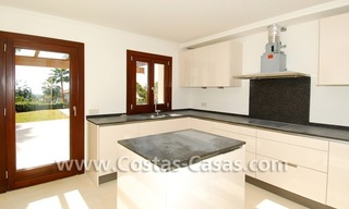 Cozy luxury villa to buy in a gated resort, Benahavis – Estepona - Marbella 10