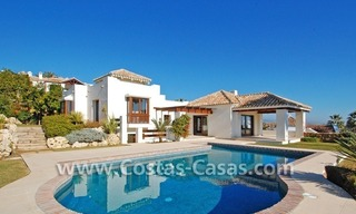 Cozy luxury villa to buy in a gated resort, Benahavis – Estepona - Marbella 0