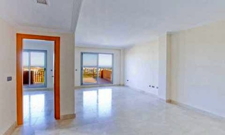 Bargain new golf apartments for sale between Marbella and Estepona 9