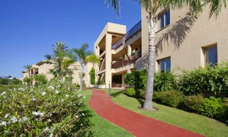 Bargain new golf apartments for sale between Marbella and Estepona 7