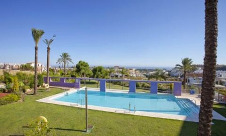 Bargain new golf apartments for sale between Marbella and Estepona 1