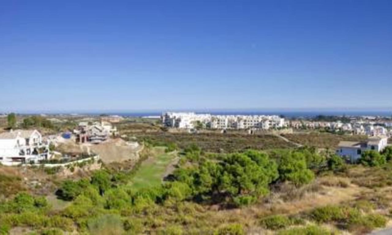 Bargain new golf apartments for sale between Marbella and Estepona 2