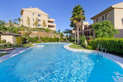 Bargain new golf apartments for sale between Marbella and Estepona