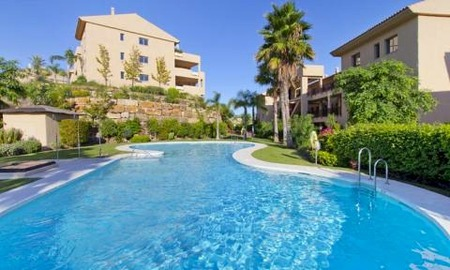 Bargain new golf apartments for sale between Marbella and Estepona 0