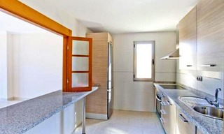 Bargain new golf apartments for sale between Marbella and Estepona 12
