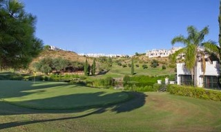 Bargain new golf apartments for sale between Marbella and Estepona 6