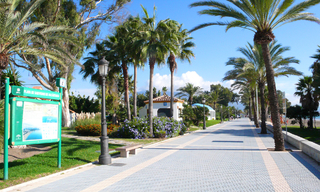 Cozy ground-floor apartment for sale on beachfront complex in Marbella 13