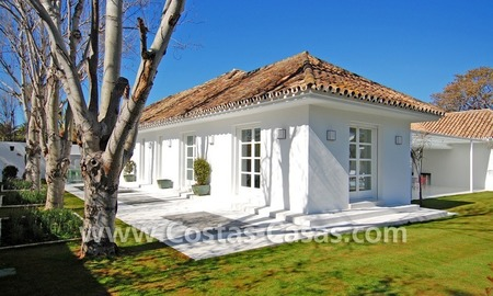 Completely renovated modern andalusian villa close to the beach for sale in Marbella 6