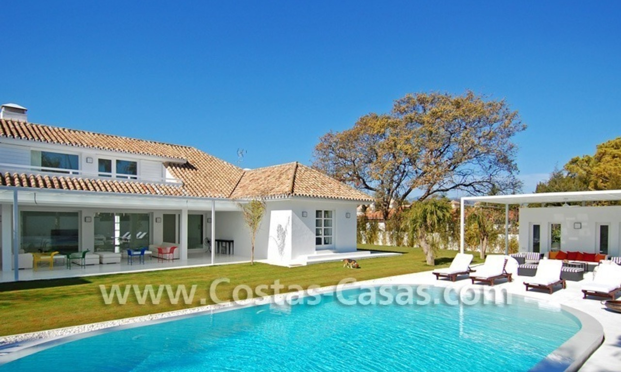 Completely renovated modern andalusian villa close to the beach for sale in Marbella 0