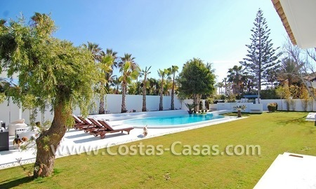 Completely renovated modern andalusian villa close to the beach for sale in Marbella 5