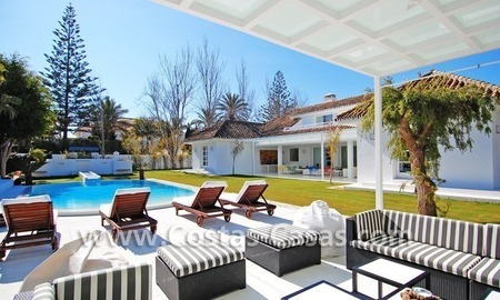 Completely renovated modern andalusian villa close to the beach for sale in Marbella 4