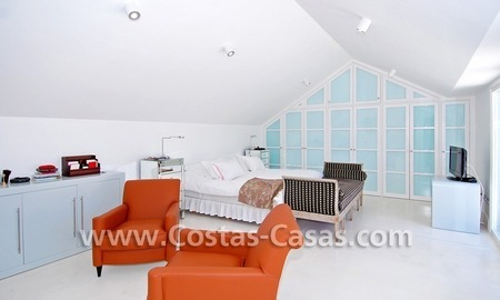 Completely renovated modern andalusian villa close to the beach for sale in Marbella 22