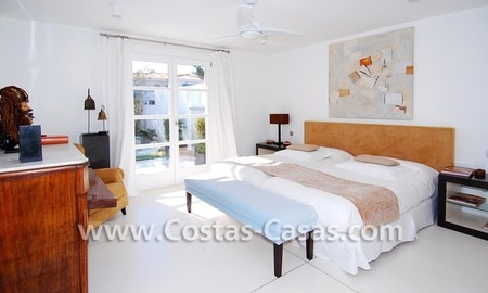 Completely renovated modern andalusian villa close to the beach for sale in Marbella 25