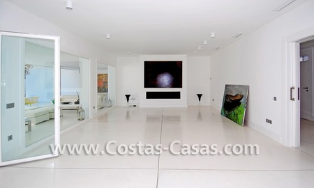 Completely renovated modern andalusian villa close to the beach for sale in Marbella 13