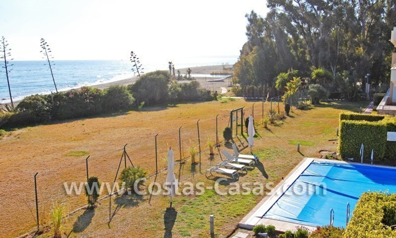 Luxury front line beach apartment for sale in an exclusive beachfront complex, New Golden Mile, Marbella - Estepona 2