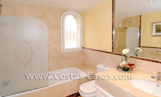 Cozy villa to buy in East of Marbella 21