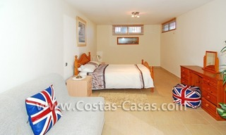 Cozy villa to buy in East of Marbella 16