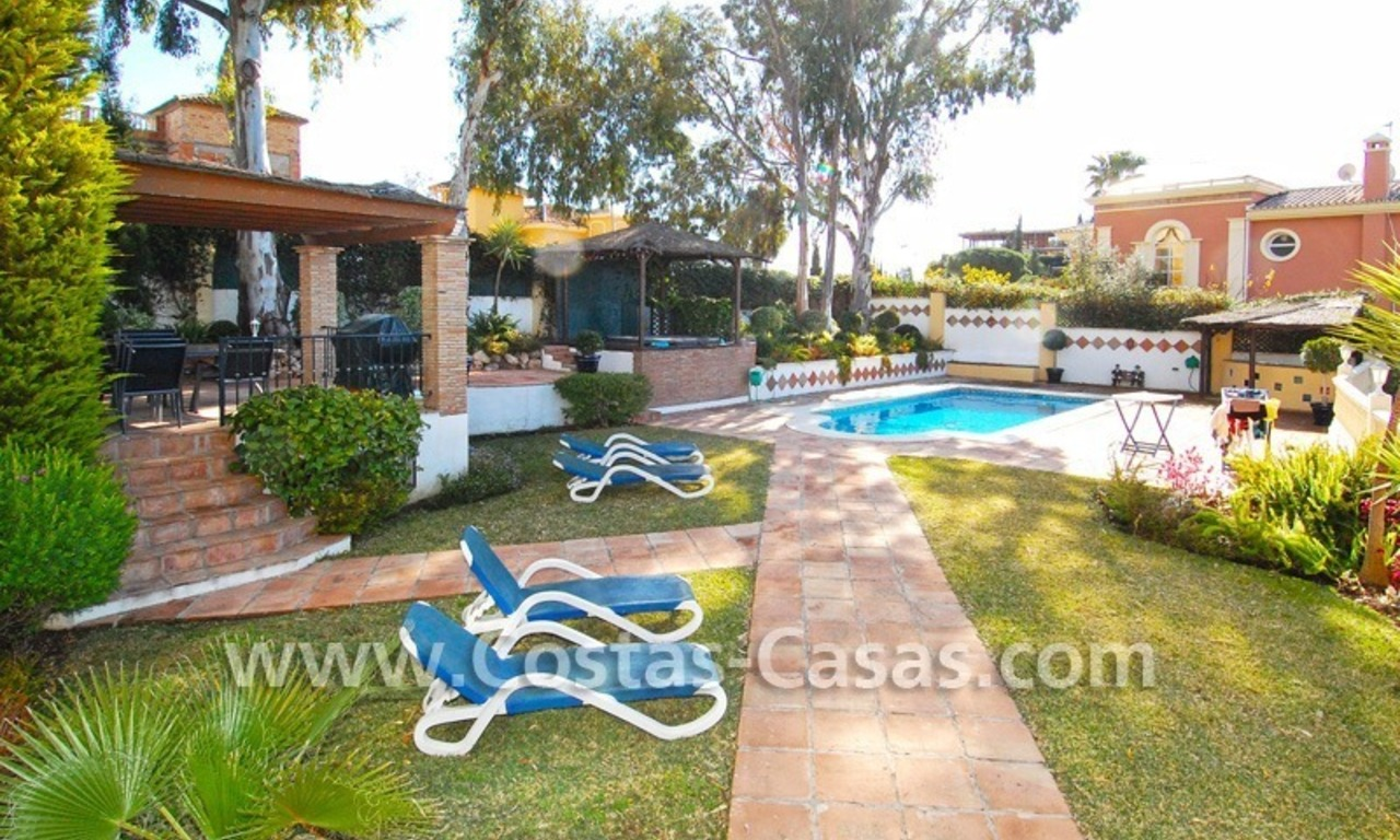Cozy villa to buy in East of Marbella 5