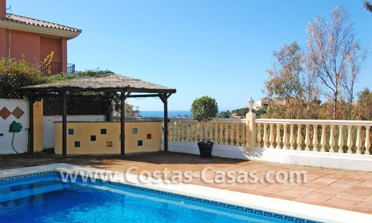 Cozy villa to buy in East of Marbella 2