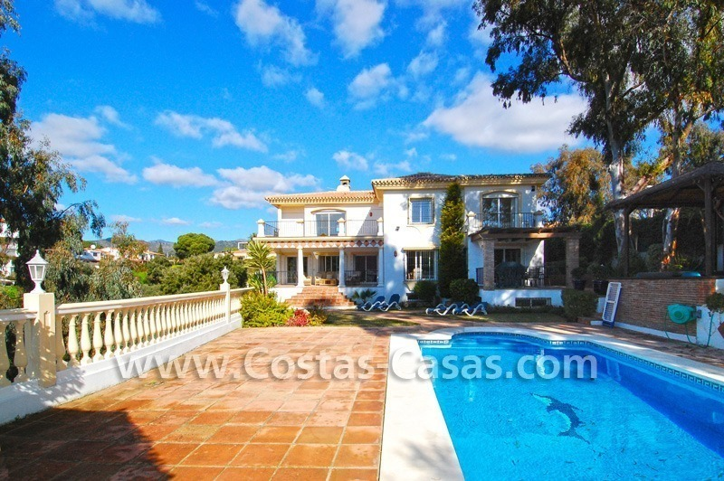 Cozy villa to buy in East of Marbella
