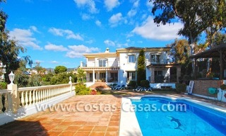 Cozy villa to buy in East of Marbella 0