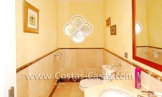 Cozy villa to buy in East of Marbella 13