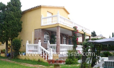 Beachside villa for sale, near the beach in east Marbella 1