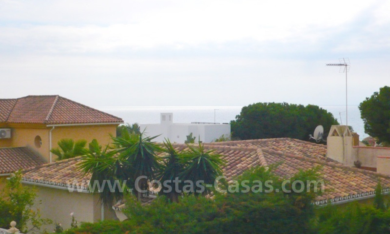 Beachside villa for sale, near the beach in east Marbella 5