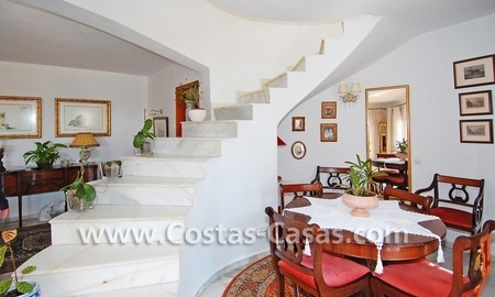 Bargain Andalusian style villa to buy on the Golden Mile in Marbella 11