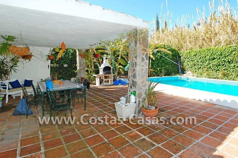Bargain Andalusian style villa to buy on the Golden Mile in Marbella 7