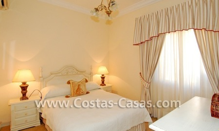 Bargain villa to buy in Marbella Estepona 23