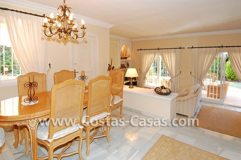 Bargain villa to buy in Marbella Estepona 18