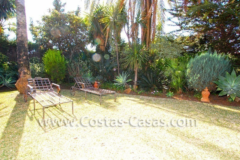 Bargain villa to buy in Marbella Estepona 4