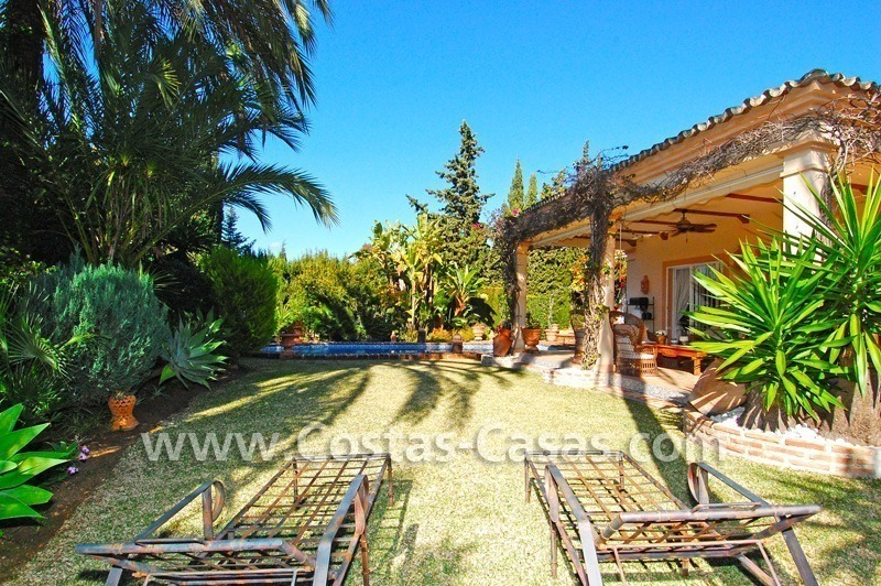 Bargain villa to buy in Marbella Estepona 6