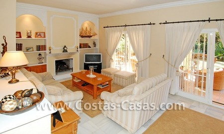 Bargain villa to buy in Marbella Estepona 16