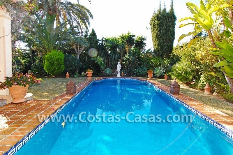 Bargain villa to buy in Marbella Estepona 2