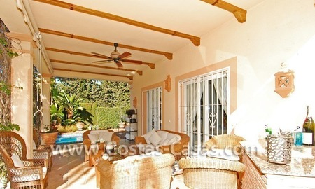 Bargain villa to buy in Marbella Estepona 15
