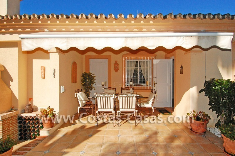 Bargain villa to buy in Marbella Estepona 14