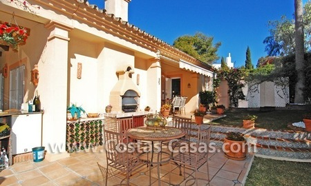 Bargain villa to buy in Marbella Estepona 12