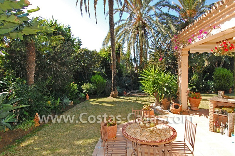 Bargain villa to buy in Marbella Estepona 11