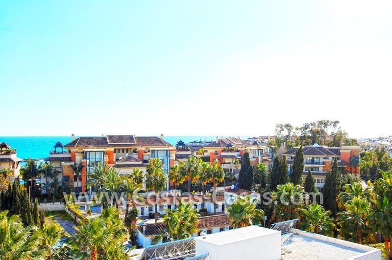Spacious luxury beachside apartment for sale in Nueva Andalucía nearby Puerto Banus in Marbella
